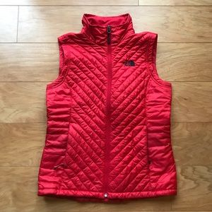 NORTH FACE Polyester Nylon Red Puffer Vest NWOT